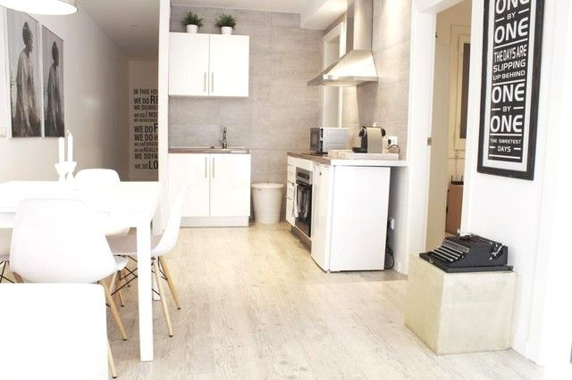Sleeps 5 with 3 bedrooms. Lovely flat in Spain.