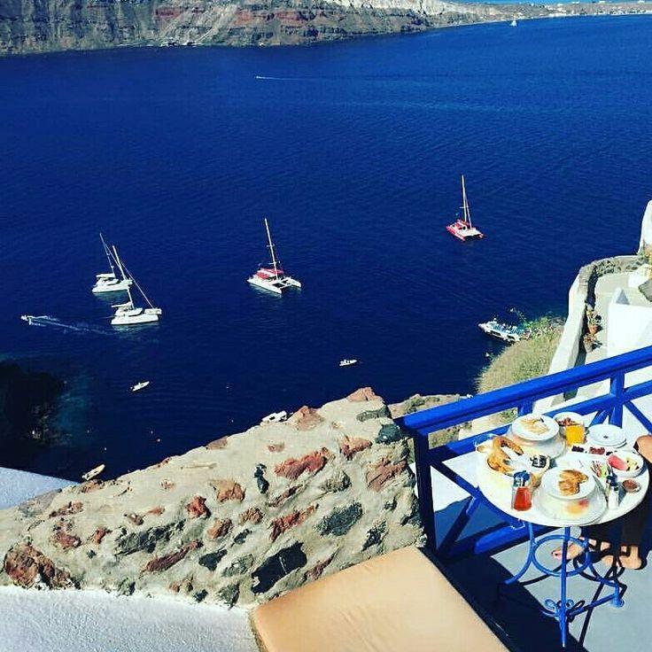 Breakfast bliss #esperashotel #hotel #santorini #oia #greece #travel #vacation #holiday #wanderlus #volcano #caldera #view