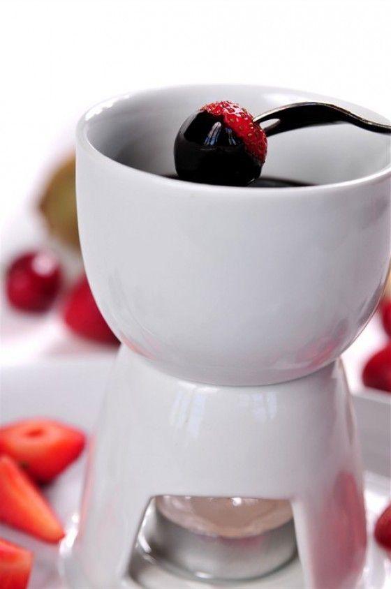 Шоколадное фондю «Тоблерон» #Рецепты #Еда #вкусно #ням #кулинария #вкусняшка #Десерт #сладости #фондю #шоколад #Рецепты_тут
