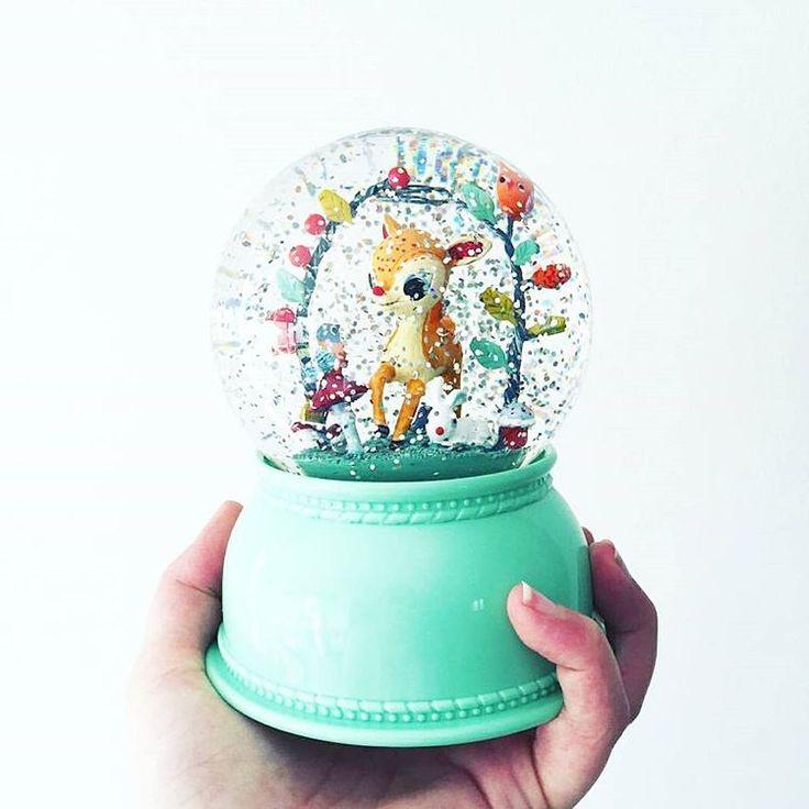 Repost @malotine_helene qui a reçu un bien joli cadeau pour son futur bébé : la lampe veilleuse faon #littlebigroom dispo sur le site #berceaumagique #lampe #veilleuse #faon #cadeau #gift #futurbebe #bebe