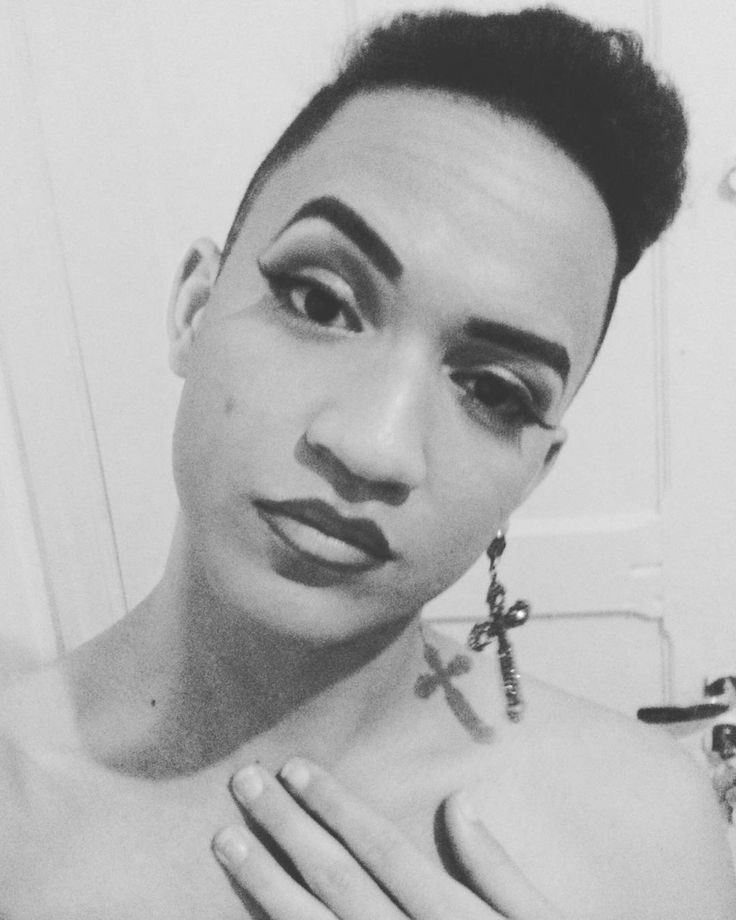 // What you said? #makeupartist #makeup #androgenousswag #androgino #gay #sp #pride #lipstick #lookdanight #gayboy #drag #dragartists #plena http://ameritrustshield.com/ipost/1544014421826571856/?code=BVtcO-lDY5Q