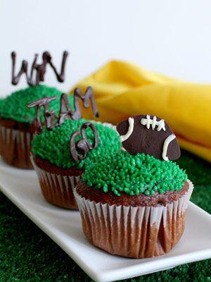 Last Minute Super Bowl Cupcakes
