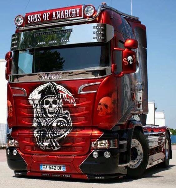Noch Fragen Junge ? Nun weißt Du , warum Mädels auf Trucker stehen !!!