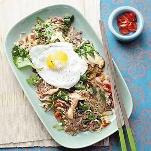 Recept - Nasi goreng, runderroerbak en spinazie - Allerhande