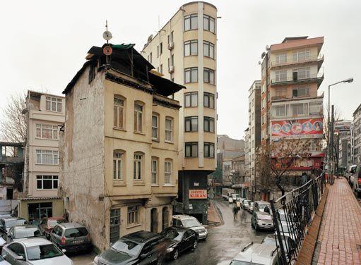 Istanbul 05 010 - Basilico | Corraini Edizioni