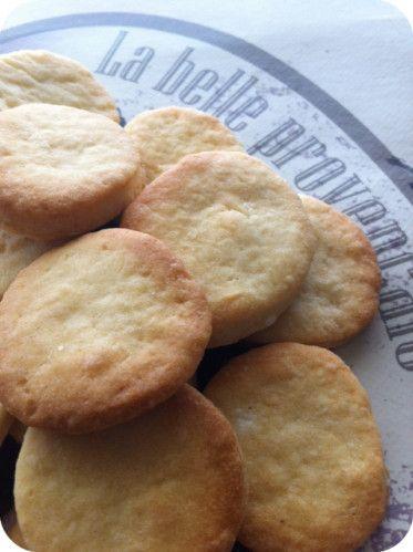 Biscuits à la fleur d'oranger, à grignoter avec un thé à la bergamote !!!!