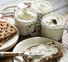 Творожные завтраки по-другому: паштеты и намазки для тостов