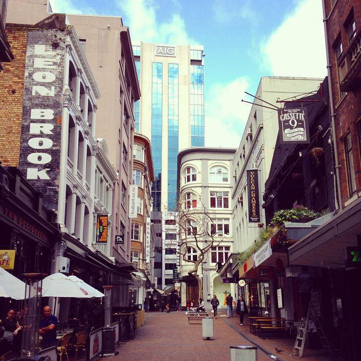 Walking the streets of Auckland. #vickisnewzealandadventure #streetsofauckland
