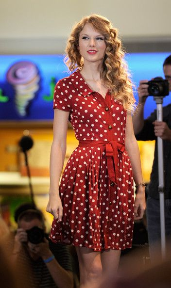 Taylor Swift in cute red and white polka dot dress. She is one of those few people who almost always looks lady like and put together. 106 19