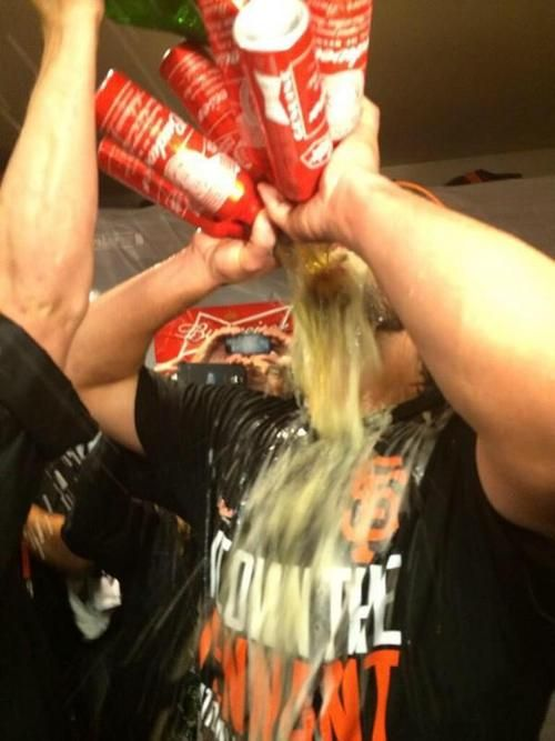 Madison Bumgarner is now up to six celebratory beers. THE TRIPLE STONE COLD (via @katienolan) http://www.sbnation.com/lookit/2014/10/17/6992993/madison-bumgarner-chugs-six-beers-after-giants-nlcs-win …