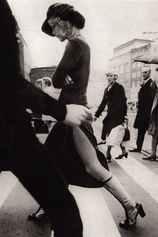 45 Incredible Street Style Shots From The 70s Le Fashion White PhotographyFashion PhotographyVintage