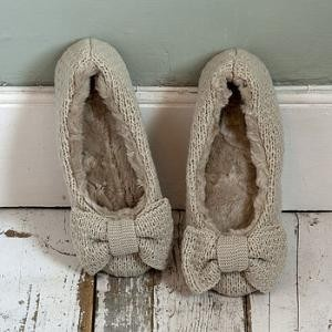 Fuzzy slippers | REPINNED