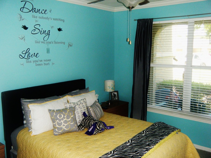 Tiffany blue yellow and grey for Tiffany blue and white bedroom