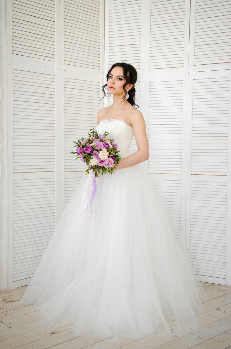 Пышное платье принцессы с открытым топом. Приобрести данную модель можно на нашем сайте: www.fairytaleforyou.com в разделе каталог.