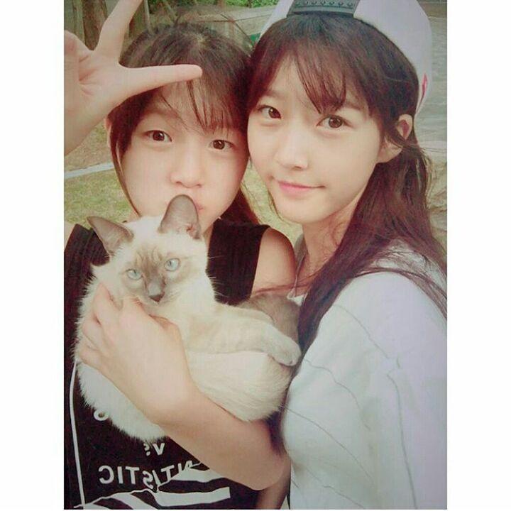 김새론~ Kim SaeRon ~ sur Instagram : Sisters . #kimsaeron