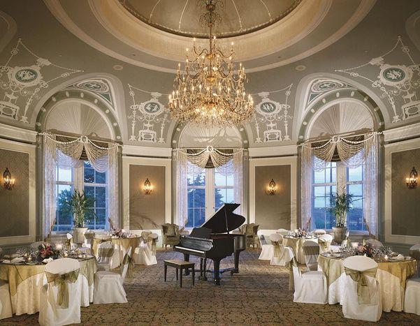 Edmonton's Luxurious Hotels.