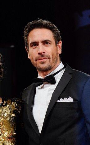 Ola Rapace, né Pär Ola Norell le 3 décembre 1971, est un acteur suédois. Il a été l'époux de l'actrice Noomi Rapace [1] de 2001 à 2010.  Dans Skyfall, Ola interprète le rôle de Patrice, un adversaire de James Bond.  Il a vécu une partie de sa vie en France, à Montpellier, et parle couramment le français.