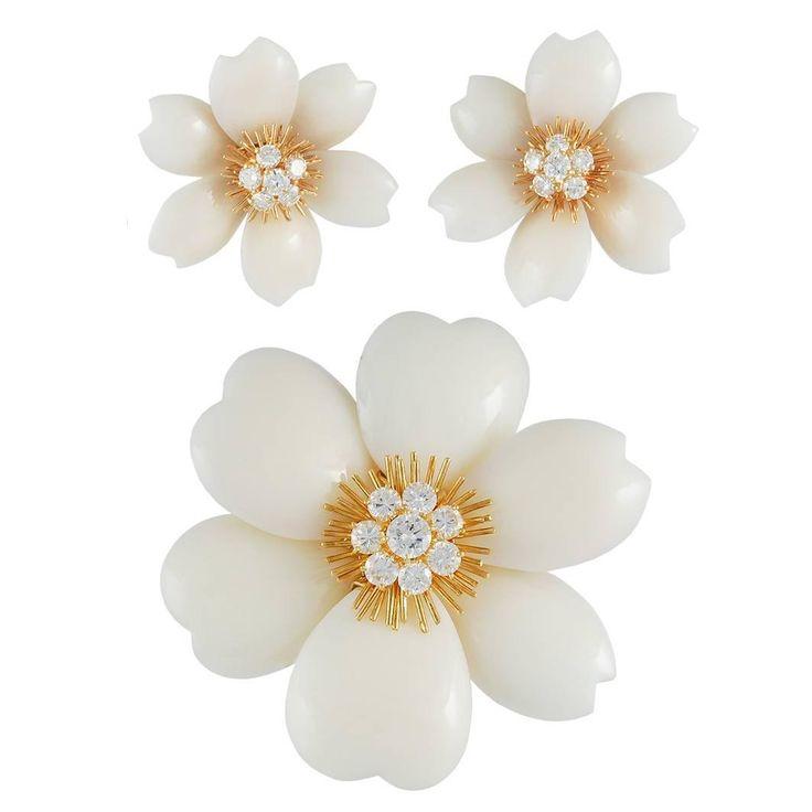 Van Cleef & Arpels White Coral French Rose de Noel Set