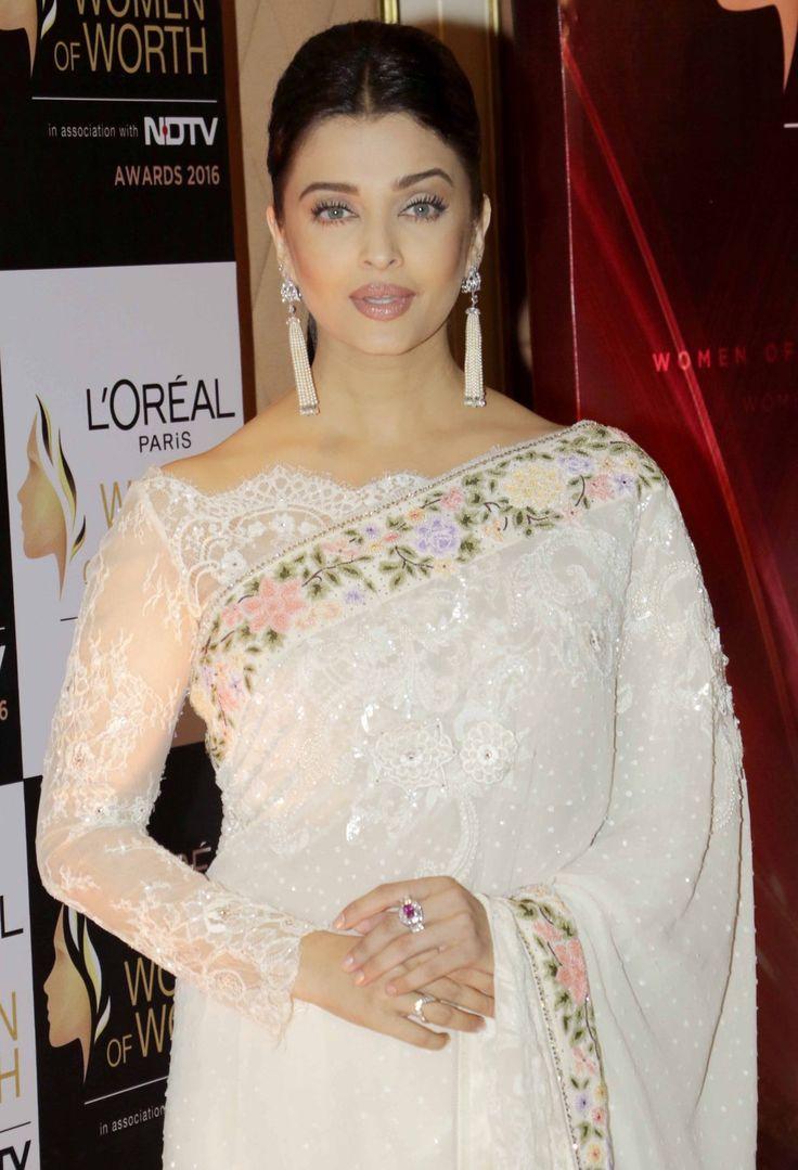 Long sleeve off-shoulder lace saree blouse design: Aishwarya Rai Bachchan