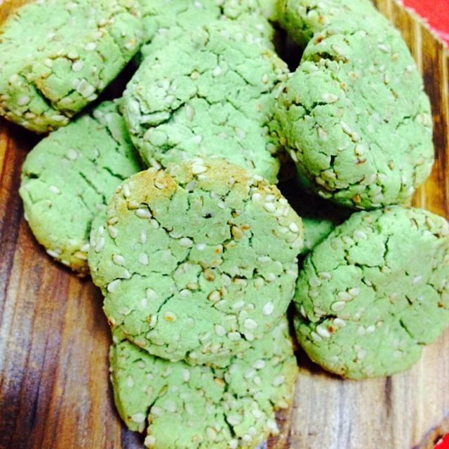 完熟のアボカドと、おからパウダー、砂糖だけで作りました!! - 47件のもぐもぐ - アボカドおからパウダークッキー! by MALONERIKO