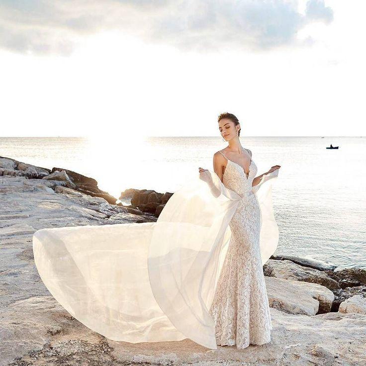 Isn't this wedding dress just dreeeeamy?  Stunning creation by @eddyk_bridal