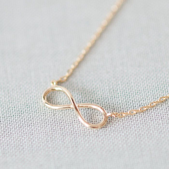 Simple tiny infinity necklace in gold