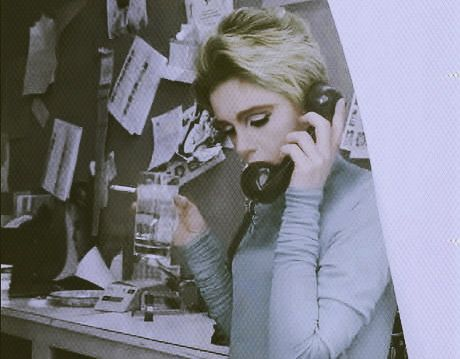 Ring-a-ding-ding, Edie calling.