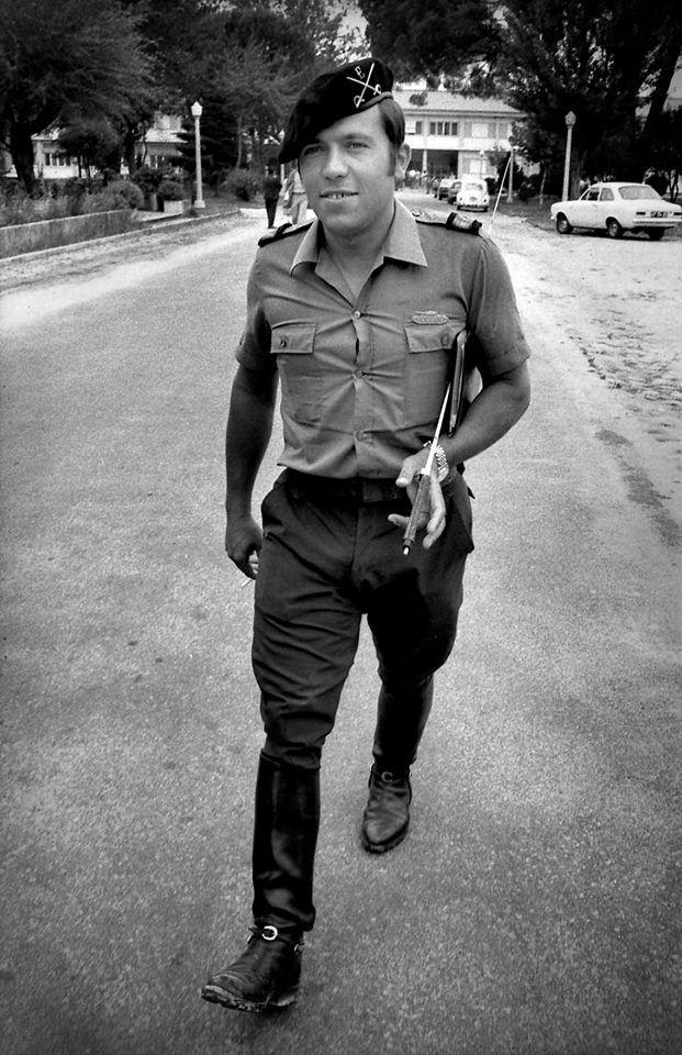 Portugal. Lisboa. Cap Salgueiro Maia 1974. de Alfredo Cunha