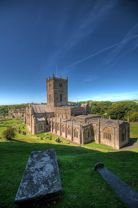 #StDavidsCathedral in #Pembrokeshire is such an impressive sight #photograph by Steve Purnell