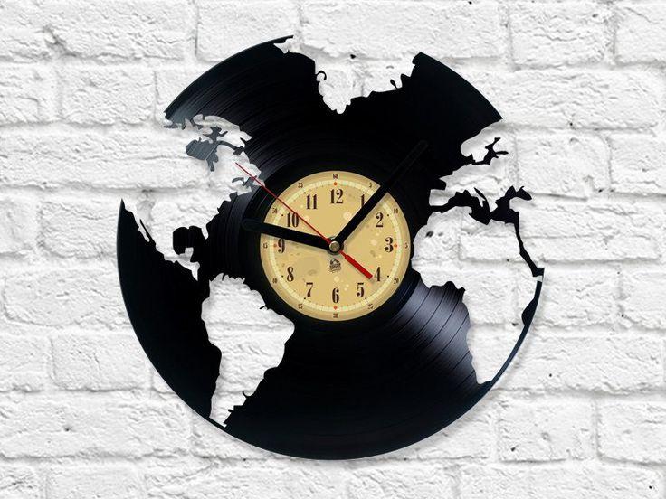 Wohnaccessoires - Globus Vinyl-Schallplatte Uhr - ein Designerstück von Vinyleaters bei DaWanda