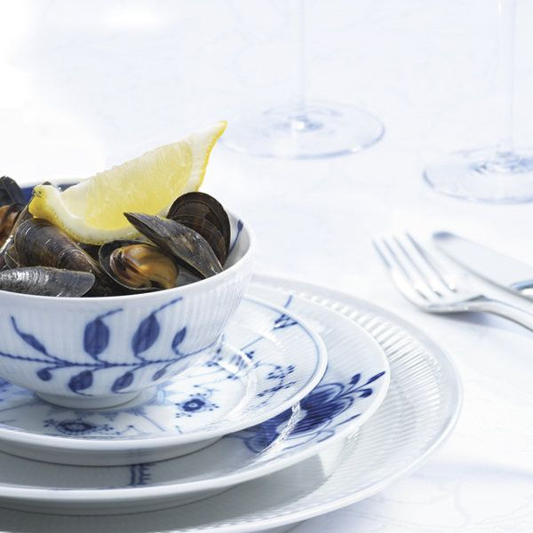 Two of my favorite things together at last - Royal Copenhagen china and steamed mussels. Ahh.