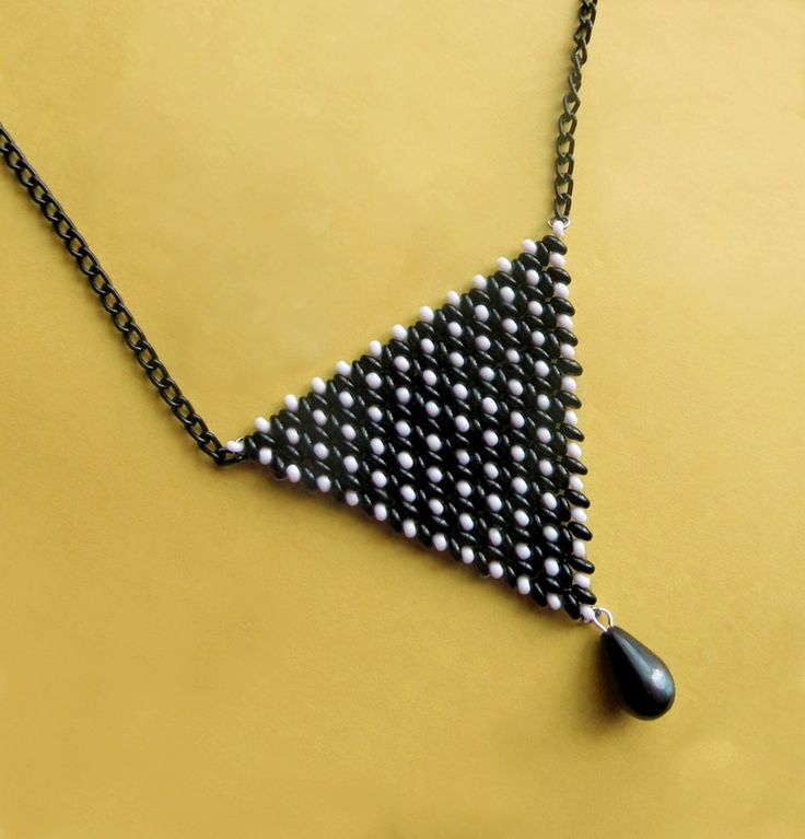 Free pattern for necklace Triangle | Beads Magic