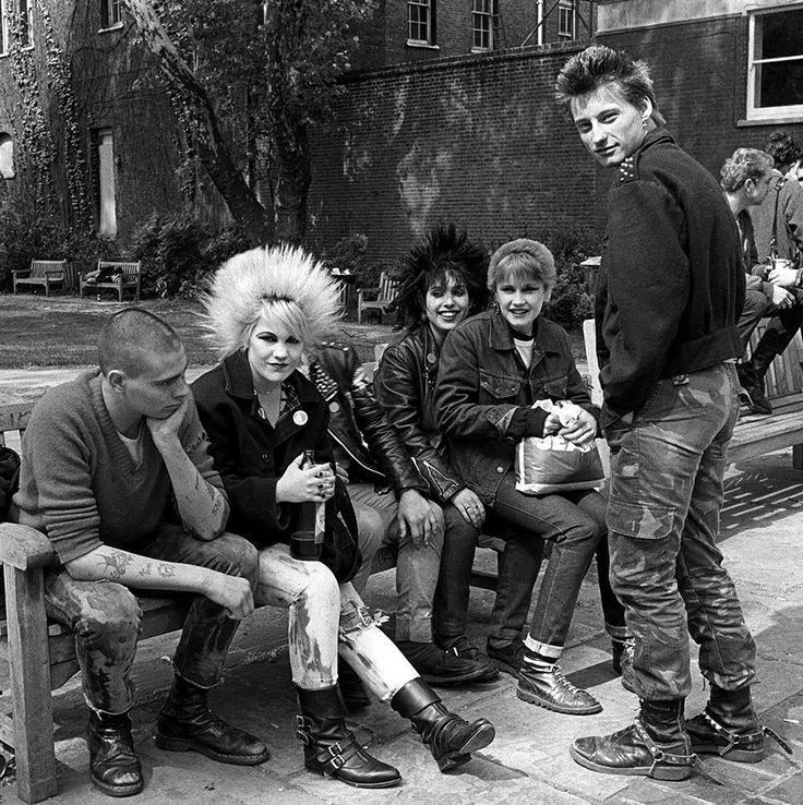 janette beckman's iconic punk photographs capture britain's youth rebellion | punks words end london 1978