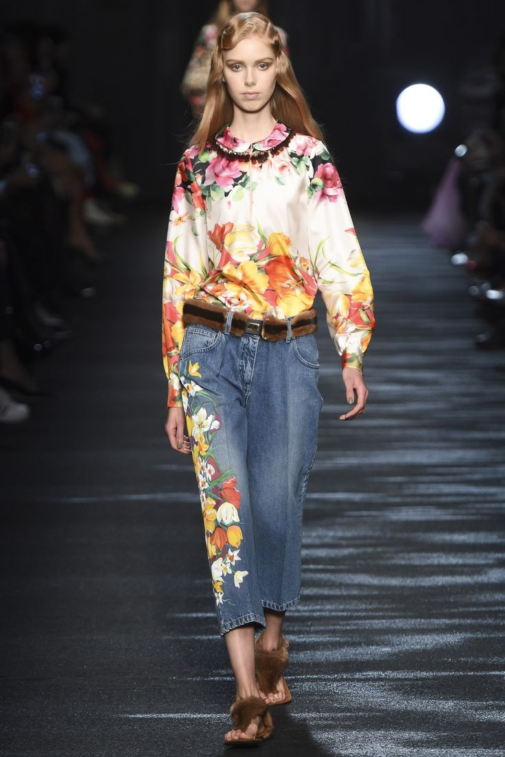 http://www.vogue.com/fashion-shows/fall-2016-ready-to-wear/blumarine/slideshow/collection