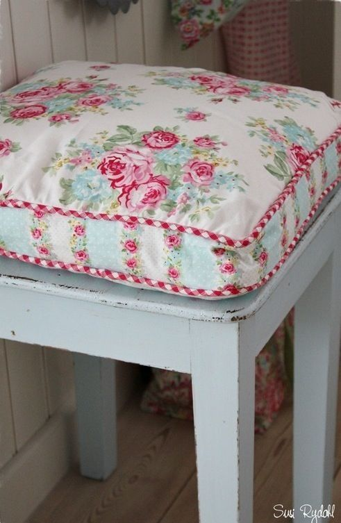 shabby chic stool pinteres. Black Bedroom Furniture Sets. Home Design Ideas
