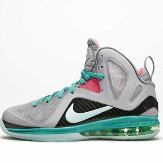 Nike LeBron 9 P. Elite South Beach- major want!