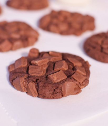 Μαλακά σοκο-μπισκότα με extra chocolate chips