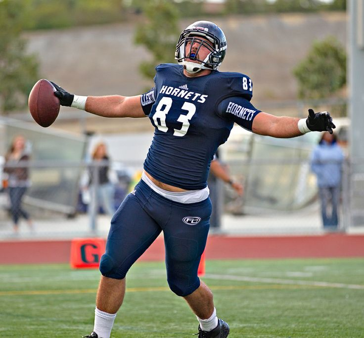 #83 Elijah Balavitch of Fullerton College scoring a touchdown against College of the Canyons during the first round of the 2013 SCFA playoffs.