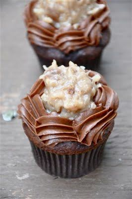 German Chocolate Cupcakes - Your Cup of CakeBirthday, Chocolates Cake, Cupcake Recipes, German Chocolate Cupcakes, Cake Mixes, German Chocolate Cakes, Cupcakes Recipe, German Chocolates Cupcakes, Cupcakes Yum