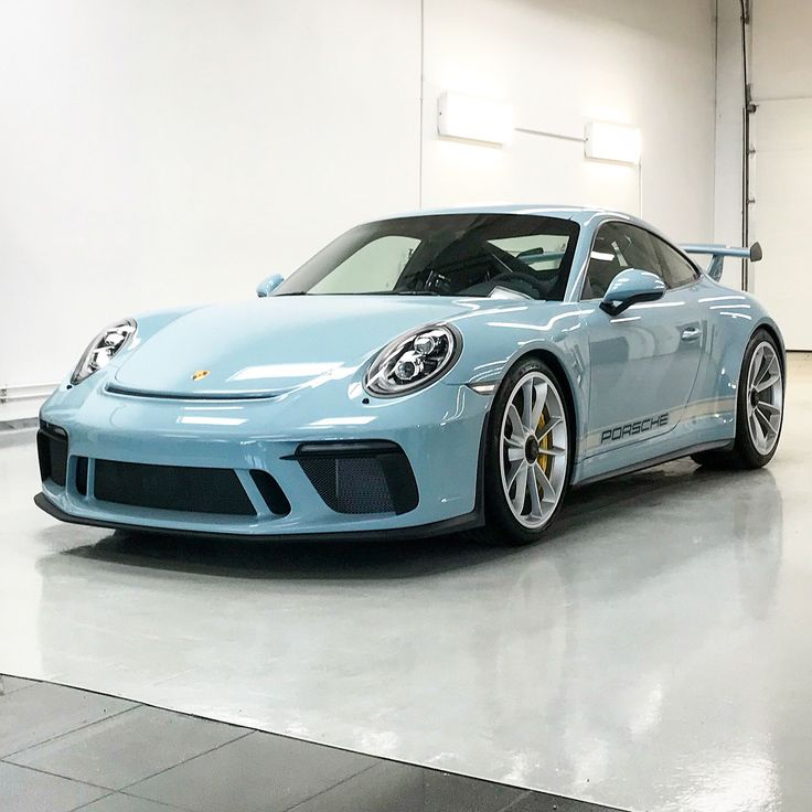 Meissen Blue 2018 Porsche 911 GT3 Has Color-Coded Roll Cage - autoevolution