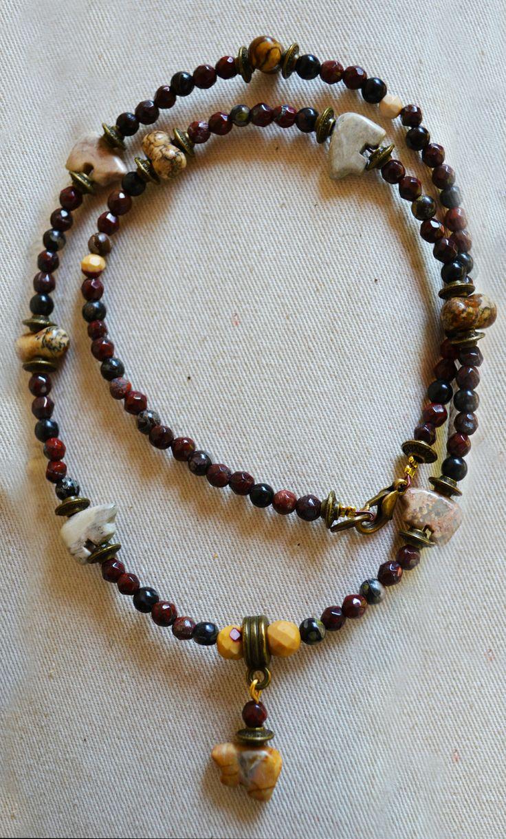 Collana Nativo Americana con Pietre sfaccettate e Orsi Zuni in PIetra Dura