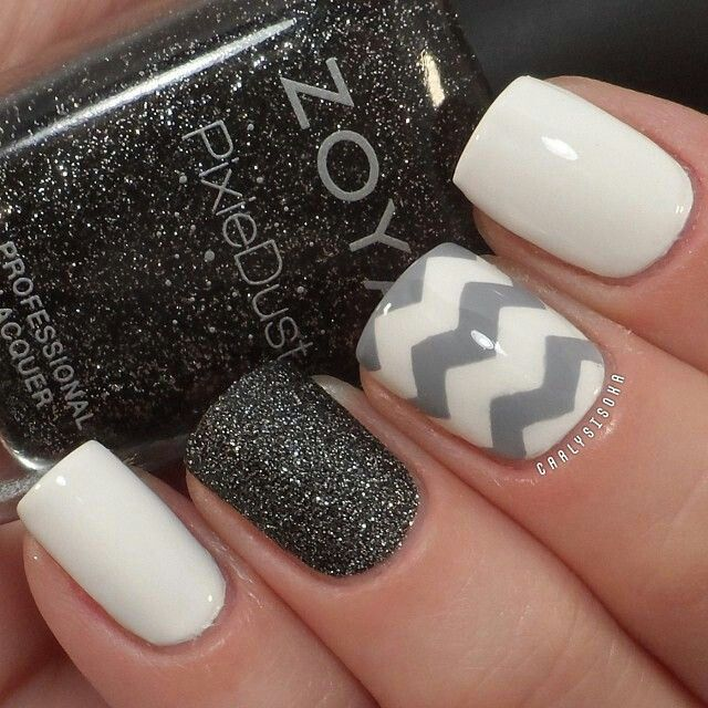 White, grey and black acrylic short nails design - Uñas acrilicas cortas decoradas de blanco, gris y negro