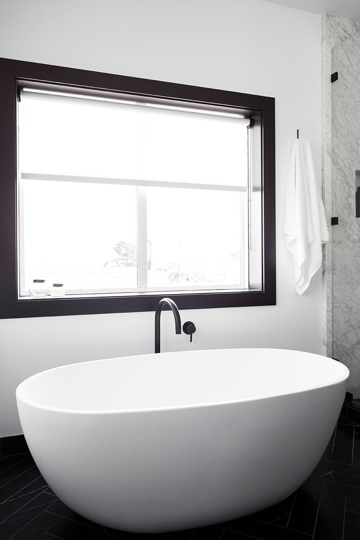 Etienne de souza designer and manufacturer of luxury cabinet - San Francisco Apartment Interior Design Bathroom Bathtub Nicolehollis Photo By Laure Joliet
