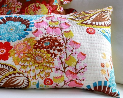 i will be borrowing this idea... hand quilted pillow by Anna Maria Horner #loulouthi #summer totem