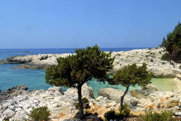 The alluring coastline west of Tselentata on Cephalonia