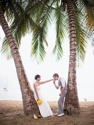 A sweet wedding picture on the beach | photo by Harwell Photography