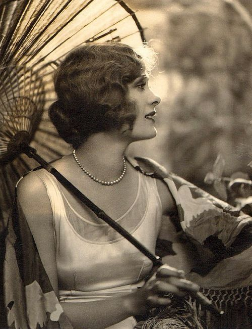 1920's flapper with parasol
