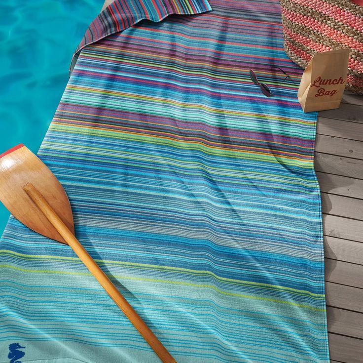 Het wordt een topzomer met het Sunset strandlaken van Seahorse. Deze handdoek heeft het allemaal: een opvallend dessin dat je al van ver ziet, een lekker groot formaat waar je heerlijk op kunt liggen én een zachte aanraking door het velours katoen!