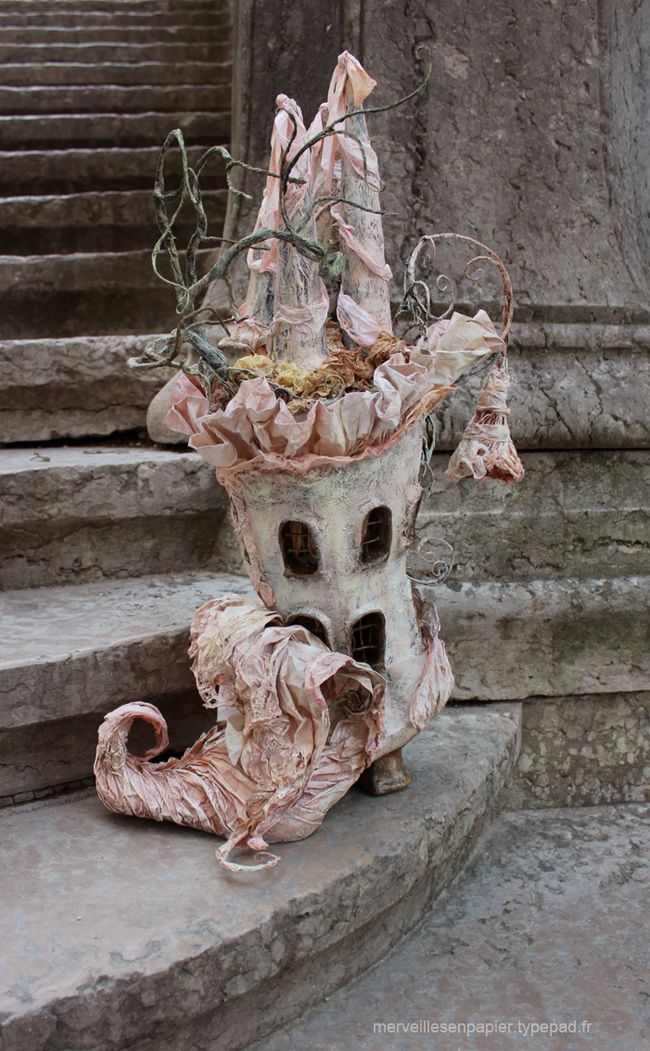 There was an old fairy that lived in a shoe....Such imagination! I love this! Any fae would love living here!
