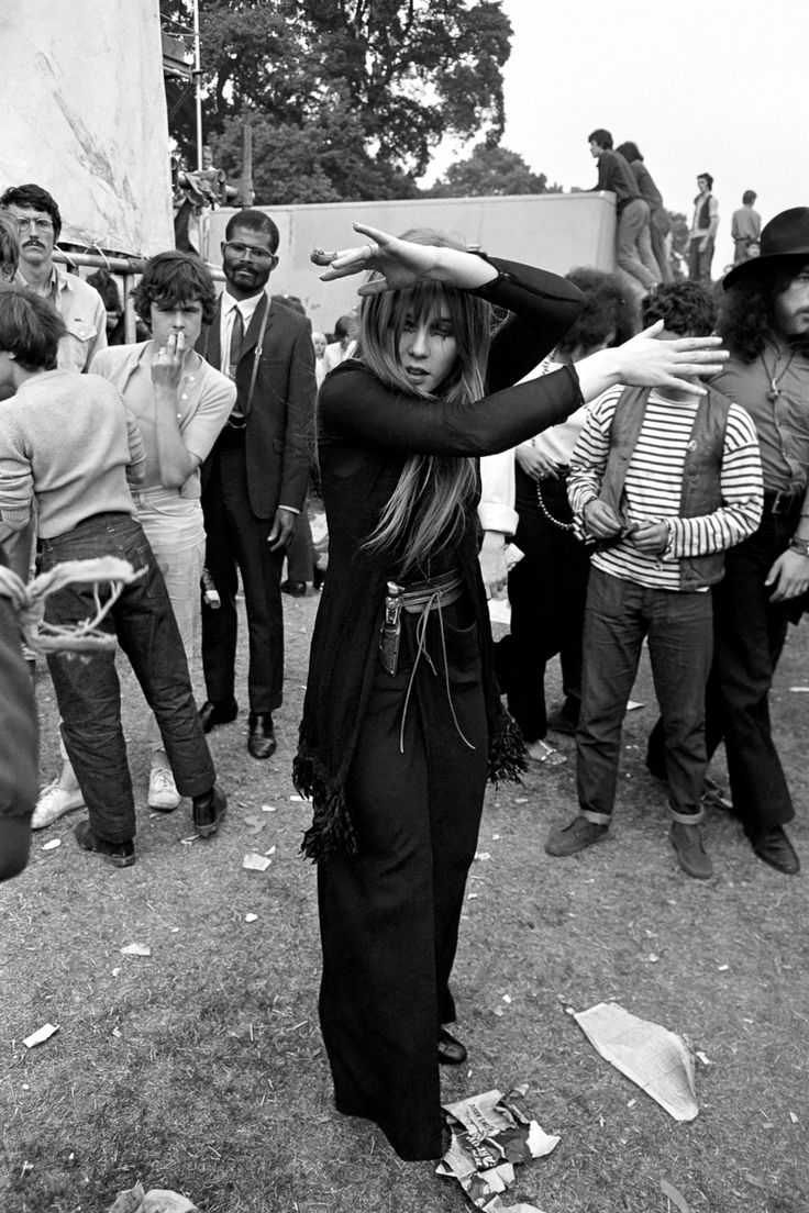 "Image: Mirrorpix/Corbis (via Mashable ""1969: Rolling Stones in Hyde Park"")"